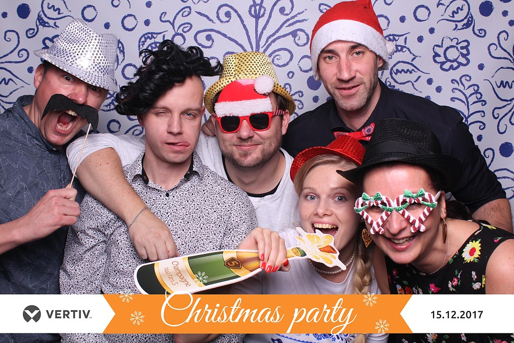 christmas party vertiv